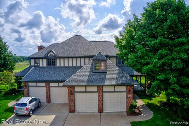 150 Burniah Lane, Orion Twp, MI 48362 (#2200061161) :: The Mulvihill Group