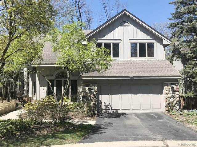 4866 Cliffside Drive, West Bloomfield Twp, MI 48323 (#2200061338) :: RE/MAX Nexus