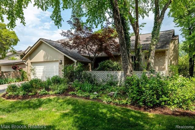 4265 Foxpointe Drive #62, West Bloomfield Twp, MI 48323 (#2200061452) :: Novak & Associates