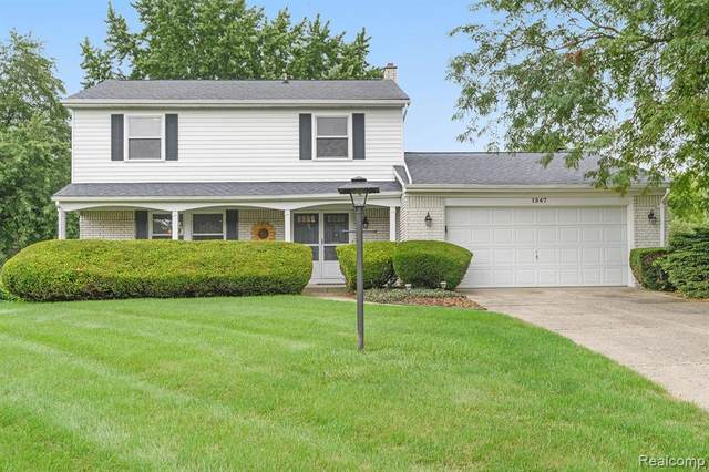 1347 Yorktown Drive, Flint Twp, MI 48532 (#2200061501) :: Novak & Associates