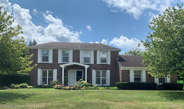 5528 Crispin Way Road, West Bloomfield Twp, MI 48323 (#2200061582) :: The Alex Nugent Team | Real Estate One