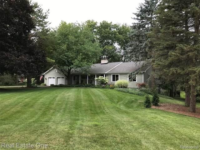 3080 Bay Shore Drive, Orchard Lake Village, MI 48324 (#2200061720) :: The Alex Nugent Team | Real Estate One