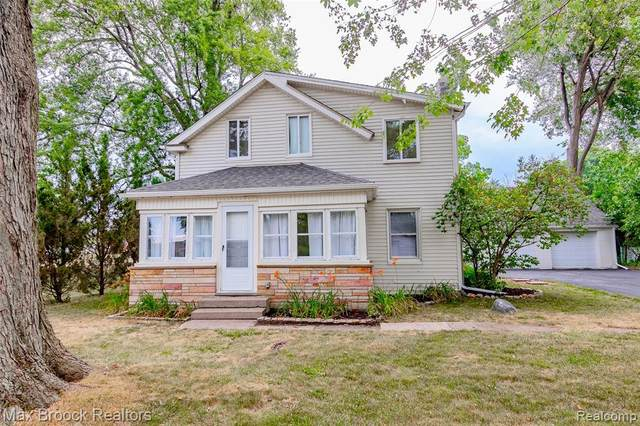 3009 Norcott Drive, Keego Harbor, MI 48320 (#2200061750) :: The Alex Nugent Team | Real Estate One