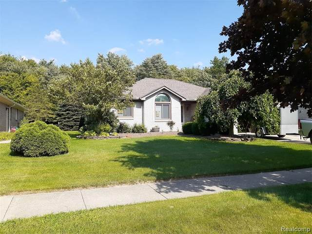 57934 Emerald Court, Washington Twp, MI 48094 (#2200061869) :: The Alex Nugent Team | Real Estate One