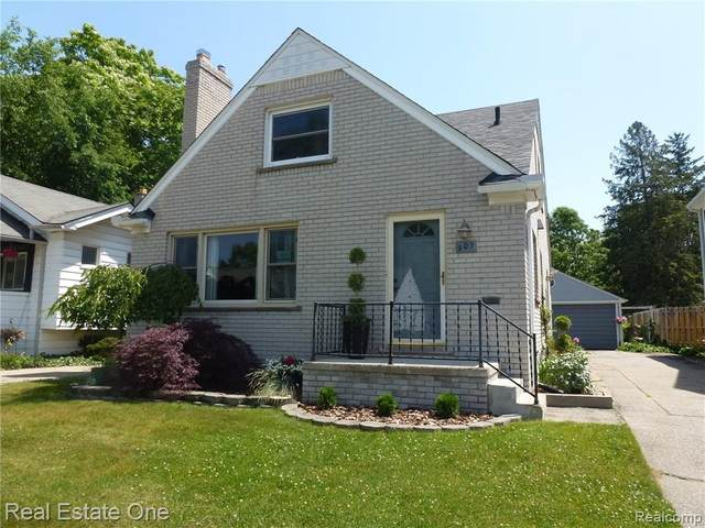 907 Wyandotte Avenue, Royal Oak, MI 48067 (#2200061953) :: The Alex Nugent Team | Real Estate One