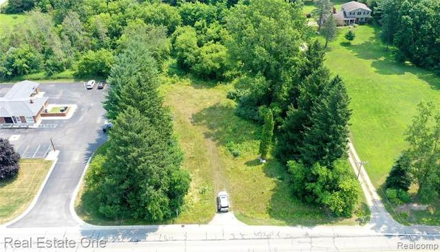 81 S Rochester Road, Oakland Twp, MI 48363 (#2200062035) :: RE/MAX Nexus