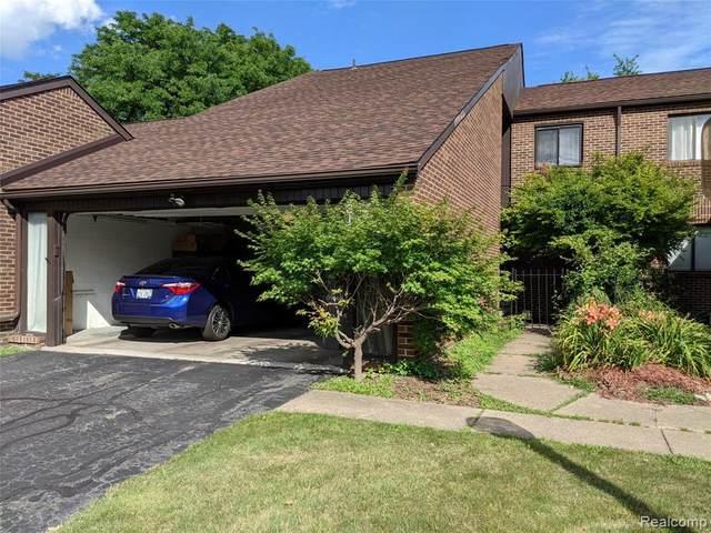 3156 Lindenwood Drive, Dearborn, MI 48120 (#2200062063) :: Novak & Associates