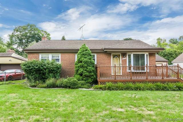 4111 Baybrook Drive, Waterford Twp, MI 48329 (#2200062172) :: The Alex Nugent Team | Real Estate One
