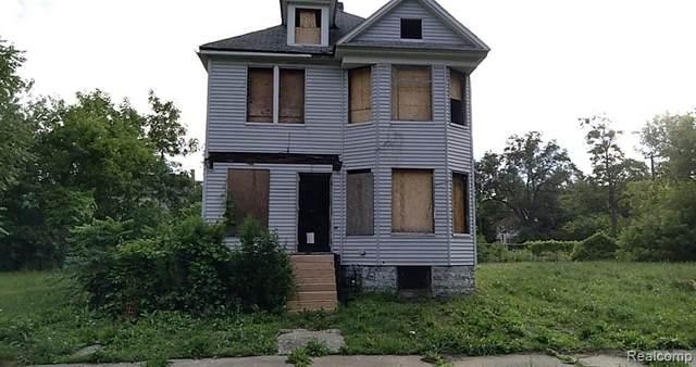 2481 Townsend Street, Detroit, MI 48214 (MLS #2200062183) :: The Toth Team