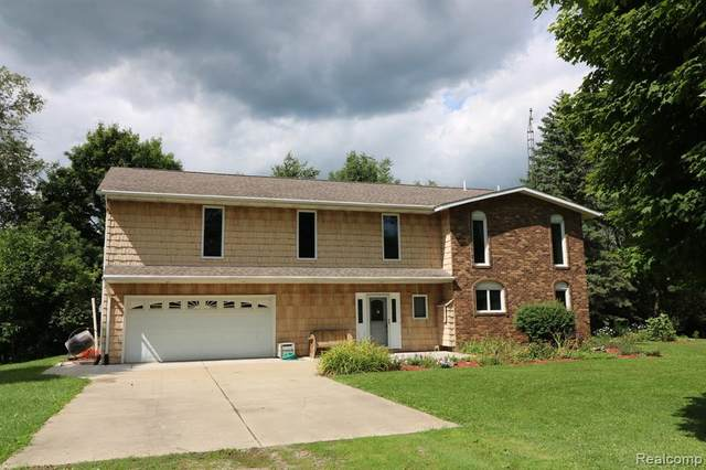 4267 Lippincott Road, Elba Twp, MI 48446 (#2200062227) :: Novak & Associates
