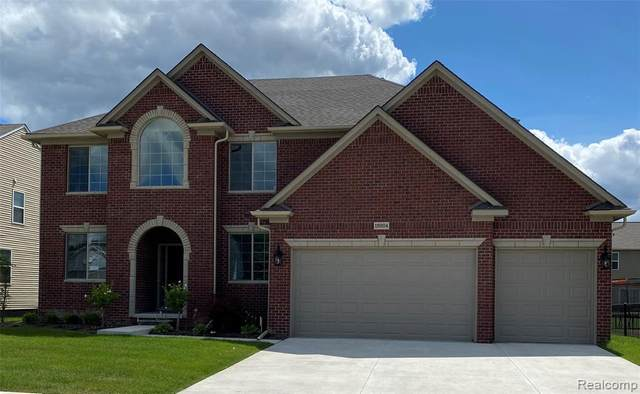 19204 Gearhart, Macomb Twp, MI 48042 (MLS #2200062350) :: The John Wentworth Group