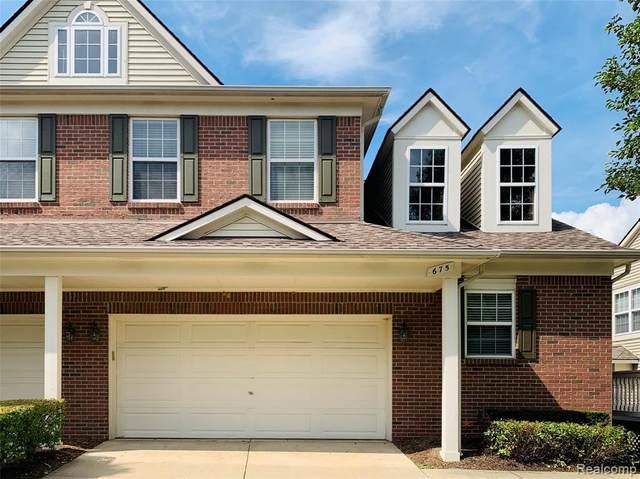 675 W Bluff Court, Rochester Hills, MI 48307 (#2200062647) :: Novak & Associates