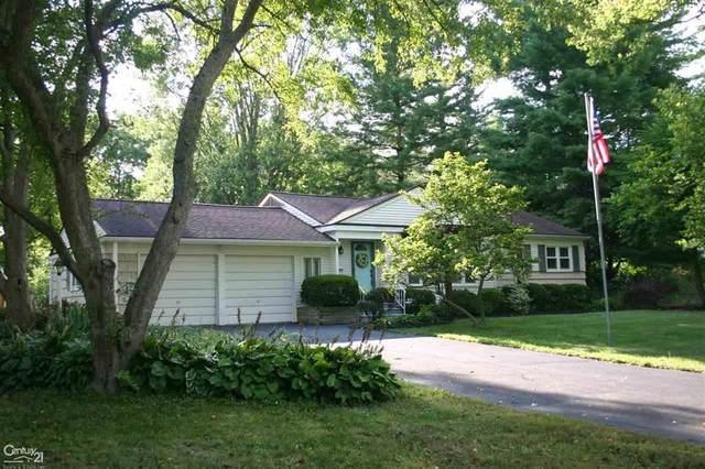 2510 Hickory Lawn, Rochester, MI 48307 (#58050019777) :: RE/MAX Nexus