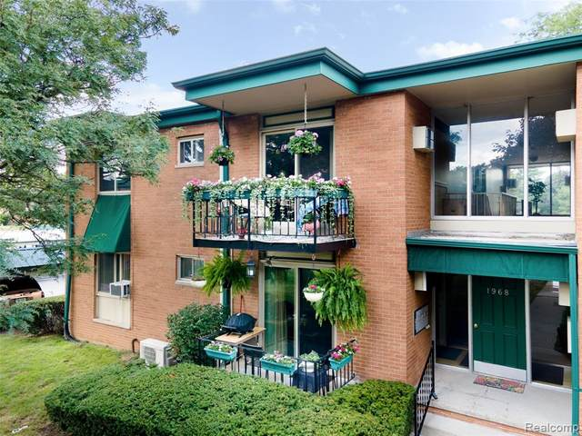 1968 Axtell Drive #5, Troy, MI 48084 (#2200063322) :: The Alex Nugent Team | Real Estate One