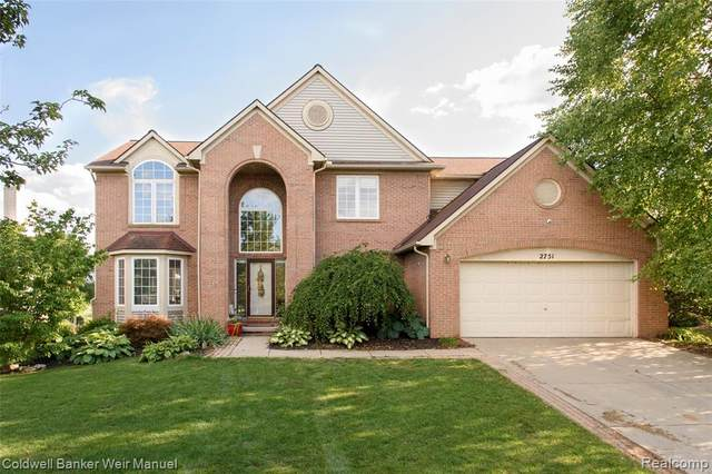 2751 Ivy Hill Dr, Commerce Twp, MI 48382 (#2200063327) :: The BK Agency