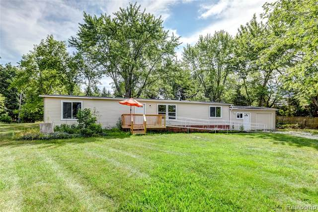 4800 Ormond Road, White Lake Twp, MI 48383 (#2200063497) :: The BK Agency