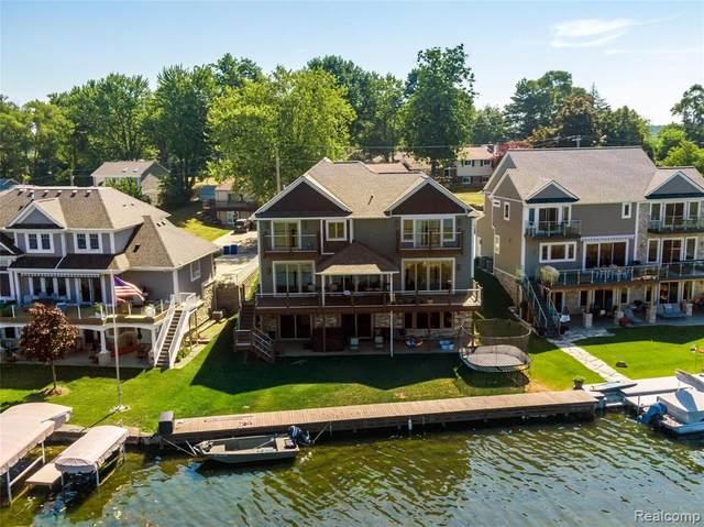 1030 Wyman Drive, Waterford Twp, MI 48328 (#2200063566) :: The Alex Nugent Team | Real Estate One