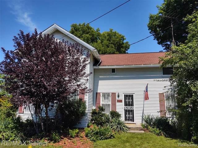 2742 Miller Road, Flint, MI 48503 (#2200063629) :: GK Real Estate Team