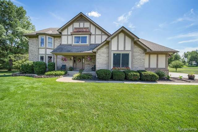 6886 Vail Court, Independence Twp, MI 48348 (#2200064024) :: BestMichiganHouses.com