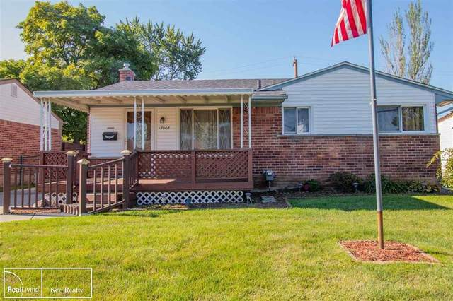 18008 Summer Ln, Fraser, MI 48026 (MLS #58050020083) :: The Toth Team
