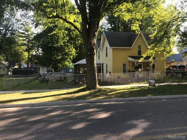 105 E Adams Street, Midland Twp, MI 48618 (#2200064050) :: Novak & Associates