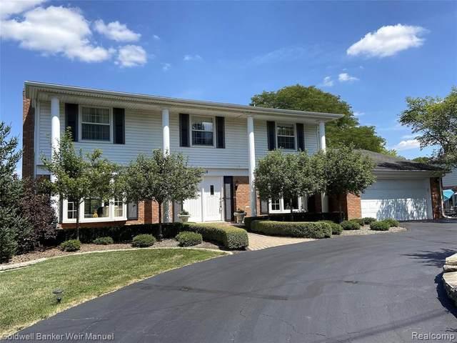 4688 Walnut Lake Road, Bloomfield Twp, MI 48301 (#2200064214) :: RE/MAX Nexus
