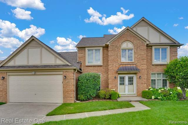 1152 Congress Drive, Troy, MI 48085 (#2200064270) :: The Alex Nugent Team | Real Estate One