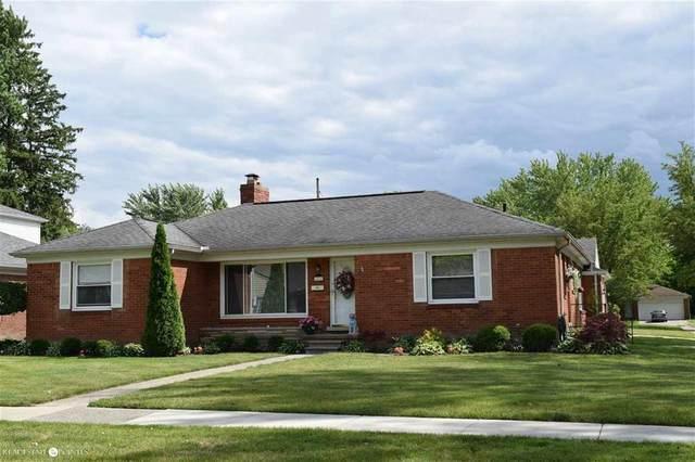1111 N Brys, Grosse Pointe Woods, MI 48236 (#58050020155) :: The Alex Nugent Team | Real Estate One