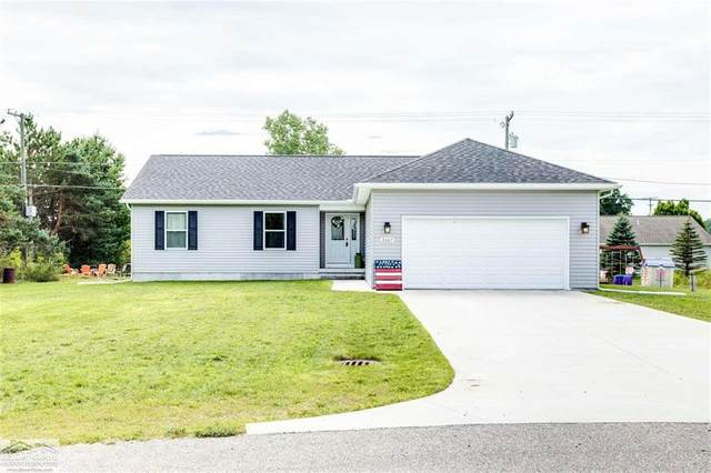 2007 Edward, Kimball Twp, MI 48074 (#58050020207) :: The Alex Nugent Team | Real Estate One