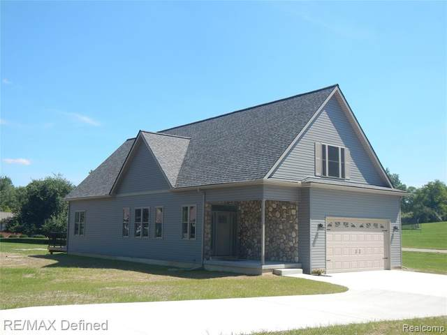 469 Creeks Edge Drive, Orion Twp, MI 48362 (#2200064501) :: The BK Agency