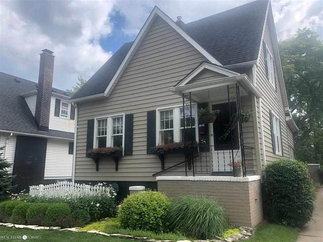 1547 Anita, Grosse Pointe Woods, MI 48236 (#58050020224) :: The Alex Nugent Team | Real Estate One