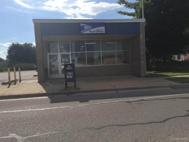 1238 Michigan Avenue, Marysville, MI 48040 (MLS #2200064662) :: The John Wentworth Group