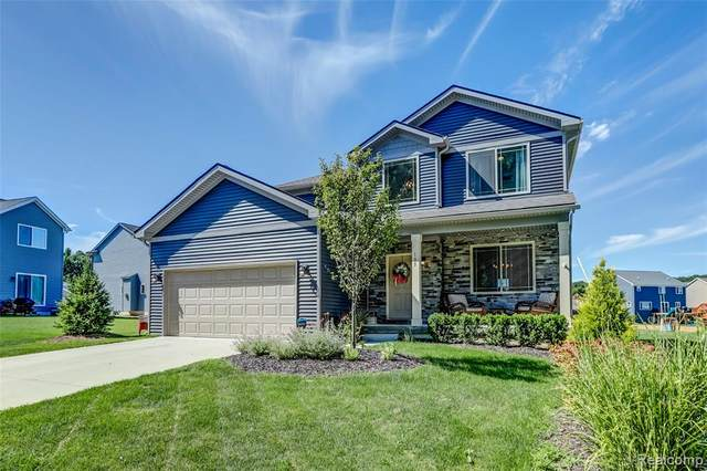 105 Valley Stream Drive, Holly Twp, MI 48442 (#2200064679) :: The BK Agency