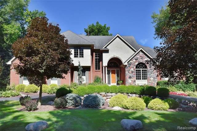 230 Orange Lake Drive, Bloomfield Twp, MI 48302 (#2200065182) :: Novak & Associates