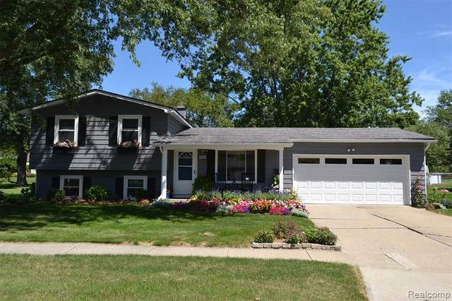 509 Autumn Drive, Flushing, MI 48433 (#2200065198) :: Novak & Associates