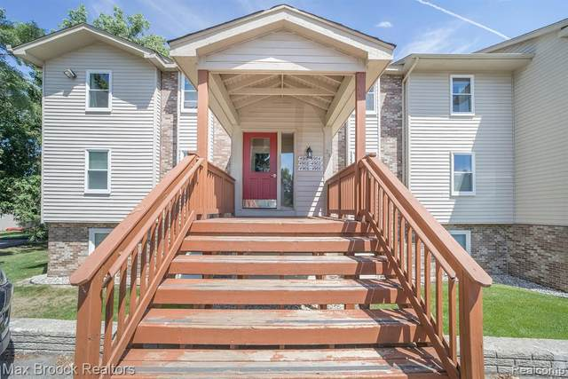 4900 Harbor Point Dr # 4, Waterford Twp, MI 48329 (#2200066096) :: The BK Agency