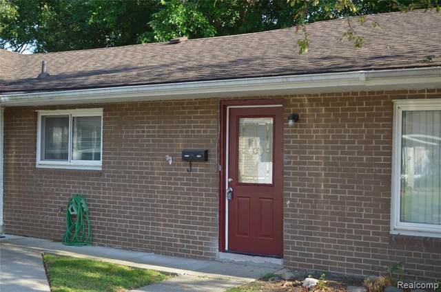 308 N Rochester Road N #14, Clawson, MI 48017 (#2200066456) :: The BK Agency