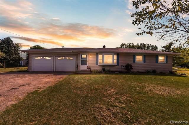 5050 Edgar Road, Springfield Twp, MI 48346 (#2200067827) :: GK Real Estate Team