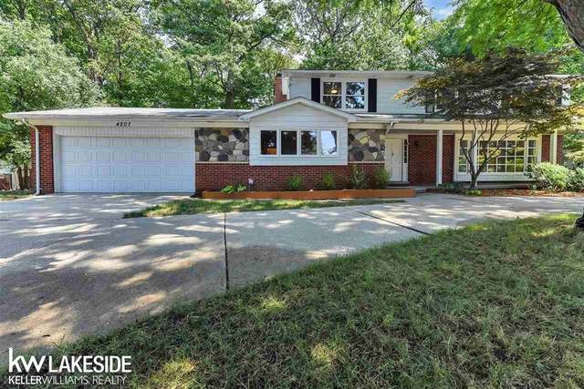 4207 Iverness Ln, West Bloomfield, MI 48323 (#58050021246) :: Robert E Smith Realty