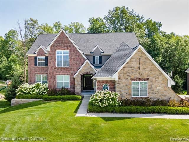 4552 Oakhurst Ridge Road, Independence Twp, MI 48348 (#2200068310) :: Novak & Associates