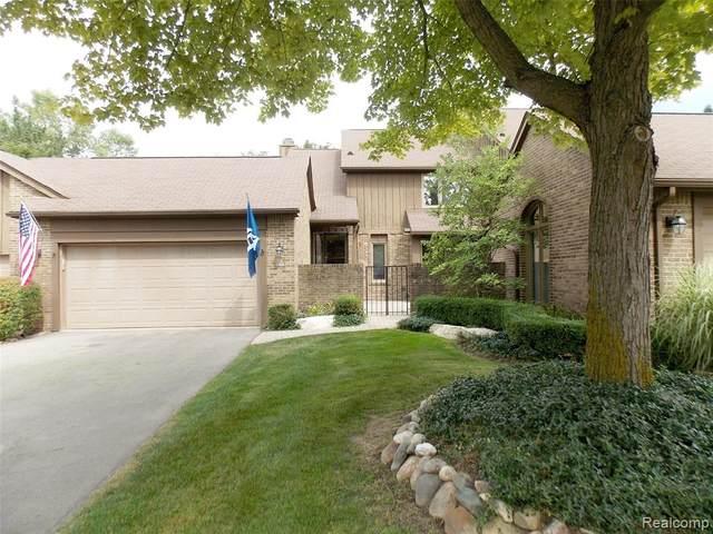 23920 Trailwood Court #81, Bingham Farms Vlg, MI 48025 (#2200068386) :: Novak & Associates