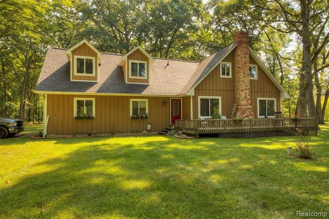 187 S Hughes Road, Genoa Twp, MI 48843 (#2200068674) :: The Mulvihill Group