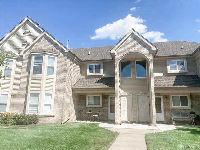 44514 Lakepointe Drive, Sterling Heights, MI 48313 (#2200070574) :: Duneske Real Estate Advisors