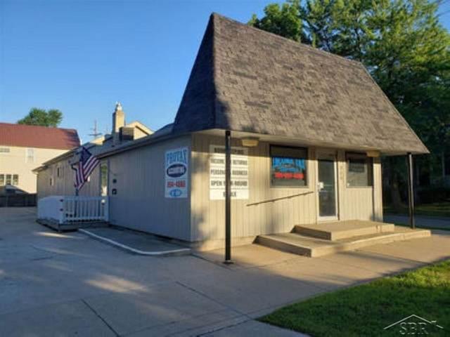 200 Madison, Bay City, MI 48708 (MLS #61050022025) :: The John Wentworth Group