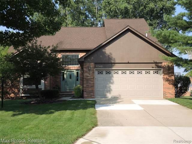 1240 Bembridge Drive, Rochester Hills, MI 48307 (#2200070659) :: BestMichiganHouses.com