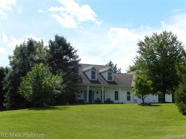 6740 Herbst Road, Genoa Twp, MI 48114 (#2200070995) :: The Mulvihill Group