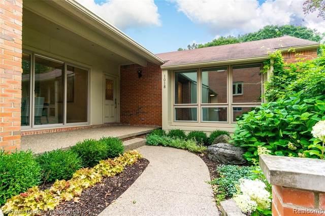 1018 Stratford Place, Bloomfield Hills, MI 48304 (#2200071005) :: Duneske Real Estate Advisors
