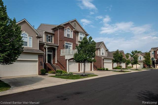 7418 Brookberry Court #4, West Bloomfield Twp, MI 48322 (#2200071186) :: Duneske Real Estate Advisors