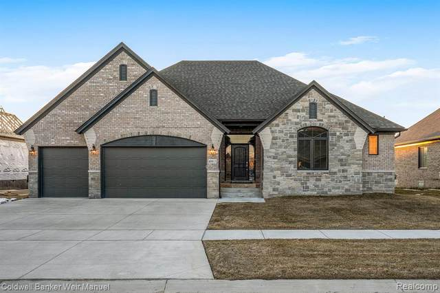 1025 Birkshire Ridge, Rochester Hills, MI 48307 (#2200071199) :: The Mulvihill Group