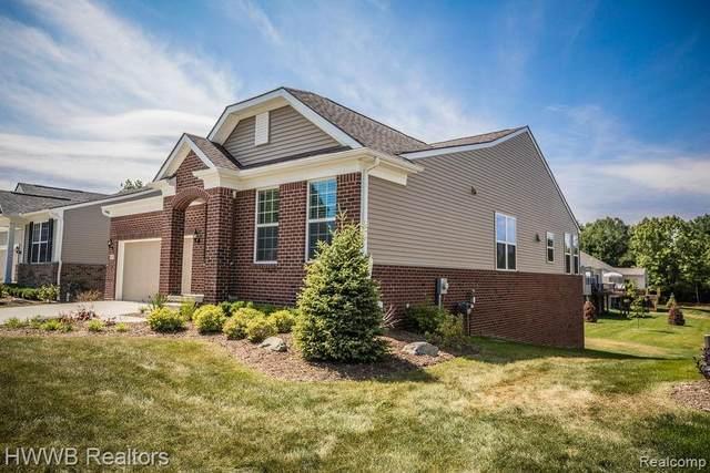 3057 Sumerlyn Court, Auburn Hills, MI 48326 (#2200071776) :: GK Real Estate Team